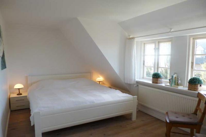 ferienwohnungen und ferienh user auf f hr ferien kontor f hr. Black Bedroom Furniture Sets. Home Design Ideas