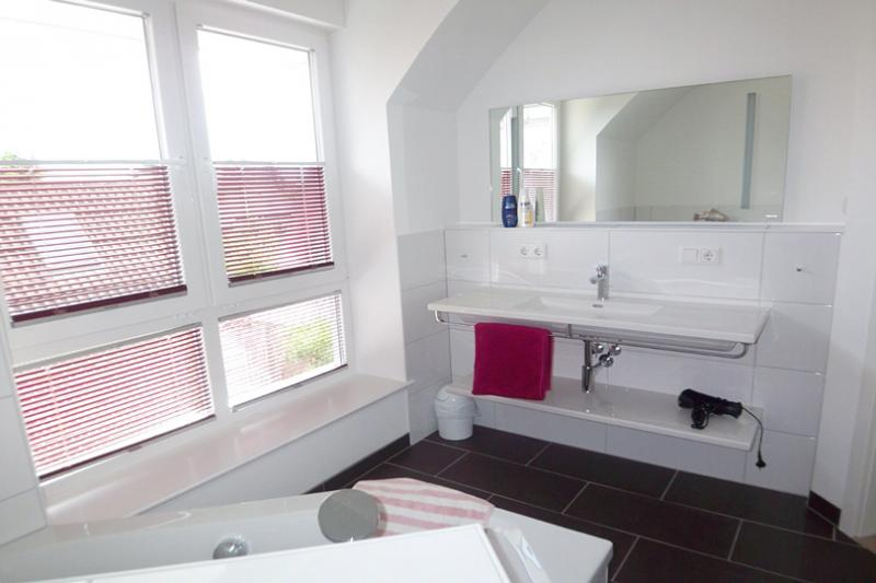 moderne dusche verstopft raum und m beldesign inspiration. Black Bedroom Furniture Sets. Home Design Ideas